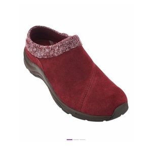 NEW WITHOUT TAGS VIONIC ARBOR SUEDE CLOGS IN WINE